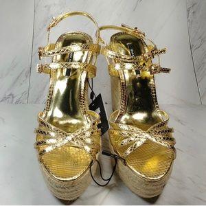 NWT Zara Wedge Shoes in gold